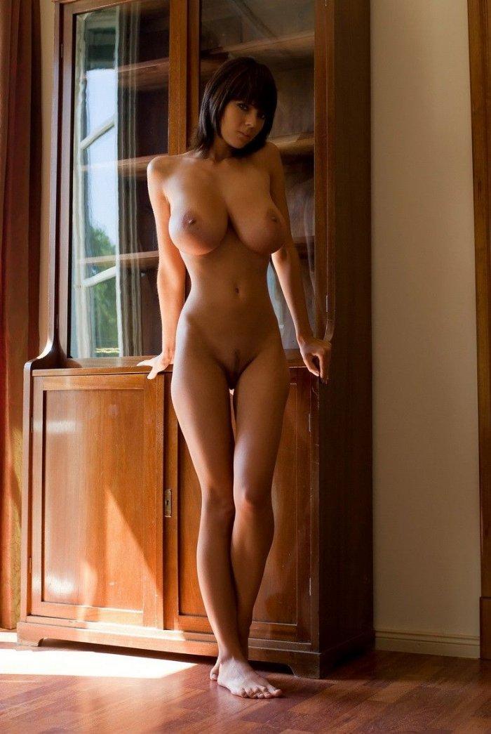 фото большие сиськи голых женщин